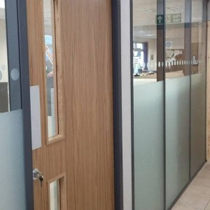 Middleton glass partition